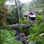 The stone bridge at Gunung Kawi