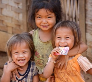 The adorable Khamu children of Laos